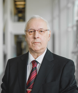Professor Thomas Fischer